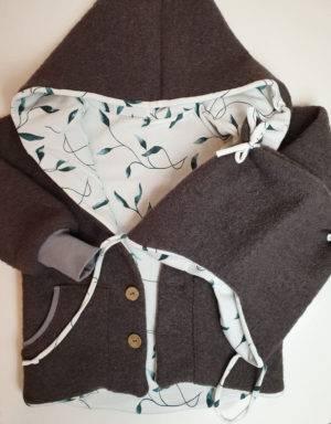 Walkjacke taupe, weiß mit grünen Blättern