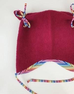 Ohrenmütze aus Walk beere, Regenbogen-Streifen