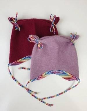Ohrenmütze aus Walk rosa, Regenbogen-Streifen