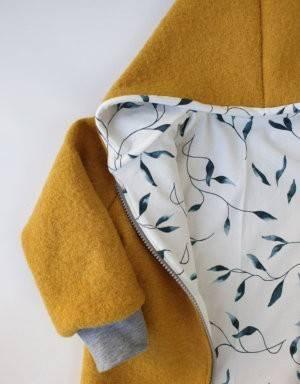 Walkjacke senf-gelb, weiß mit grünen Blättern
