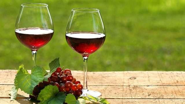 istrazhuvanjata-ni-pokazhuvaat-deka-crvenoto-vino-mozhe-da-bide-dobro-pri-sogoruvanjeto-kalori-www.kafepauza.mk_.jpg