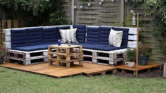 you_can_make_just_about_anything_using_mere_wood_pallets_640_14.jpg