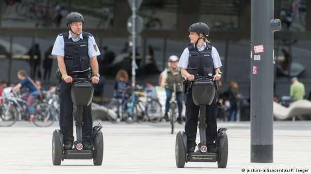 policajci.jpg