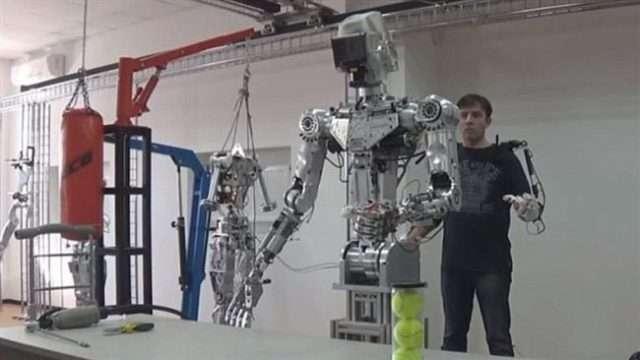 rusija-robot.jpg