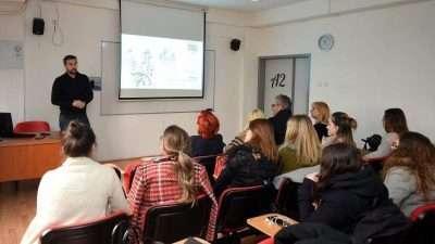 Презентација на конкурс за идејно решение – дизајн на урбана опрема од претставници од Град Скопје