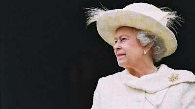 ОГЛАС ЗА РАБОТА: Сакате ли да работите за кралицата Елизабета – Отворен конкурс за работа во Бакингемската палата