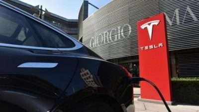 """""""Тесла"""" ќе гради фабрика од 2 милијарди долари во Кина"""