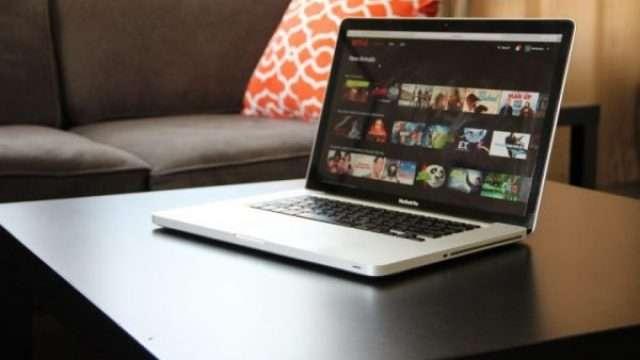 netflix-macbook-laptop-720x480-e1541575488164.jpg