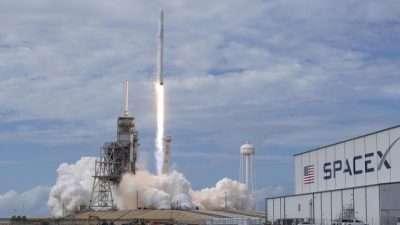 Илон Маск го лансираше првиот американски сателит за национална безбедност