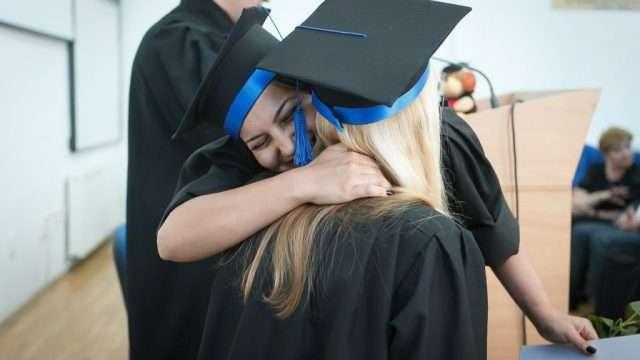 graduate_1546181550.jpg