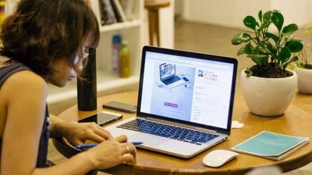 office-work-1149087_960_720-e1472618623976.jpg