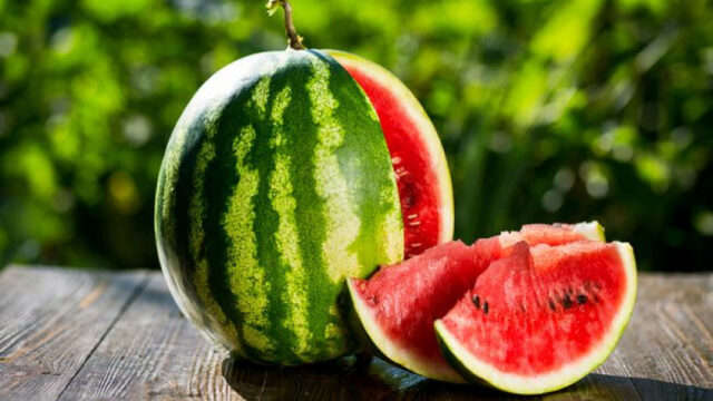 9x9p4-cut-watermelon.jpg.653x0-q80-crop-smart.jpg