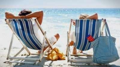 За безгрижен летен одмор не тргајте без овие работи: Што треба да содржи вашата патна аптека?