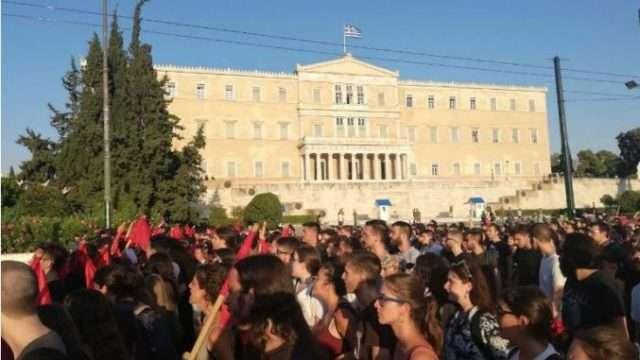 studentiii-protest.jpg
