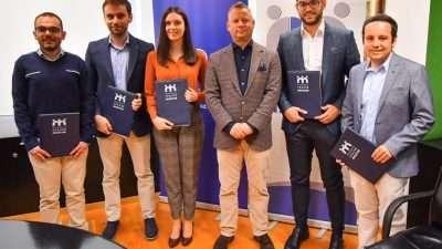"""Фондацијата """"Трајче Мукаетов"""" доделува 42 нови стипендии"""