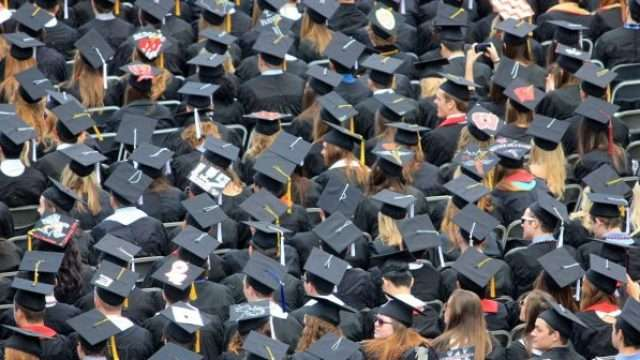 Studenti-Fakultet-Studenti-fakultet-diploma-702x336-1.jpg