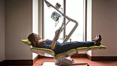 Стол за лежење на работа