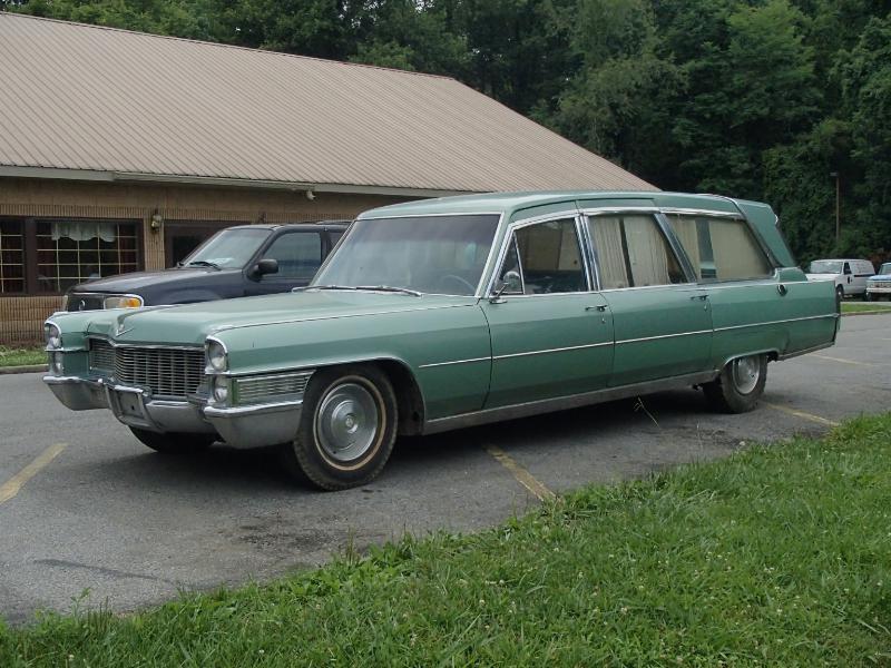 1965 Cadillac Fleetwood Superior Crown Soverign Hearse