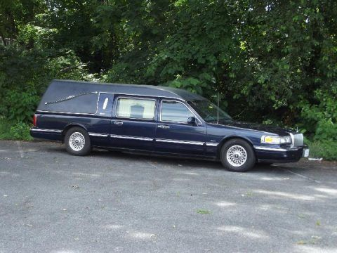 great shape 1997 Lincoln Town Car Hearse for sale