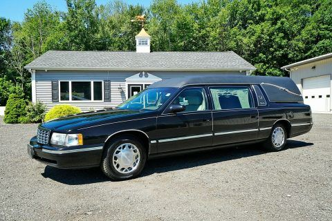 1998 Cadillac Deville Superior Coach Statesman Hearse [very good shape] for sale