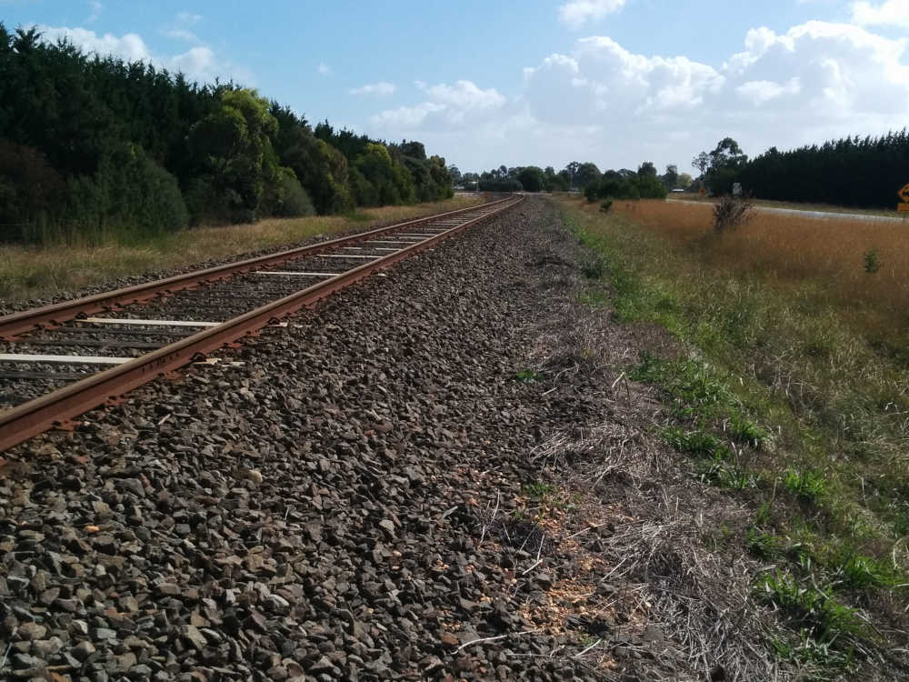 Tracks and ballast in the countryside