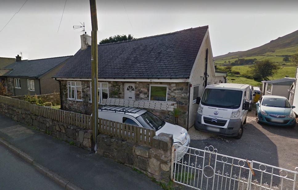 Llanaelhaearn Mobile Service Post Office