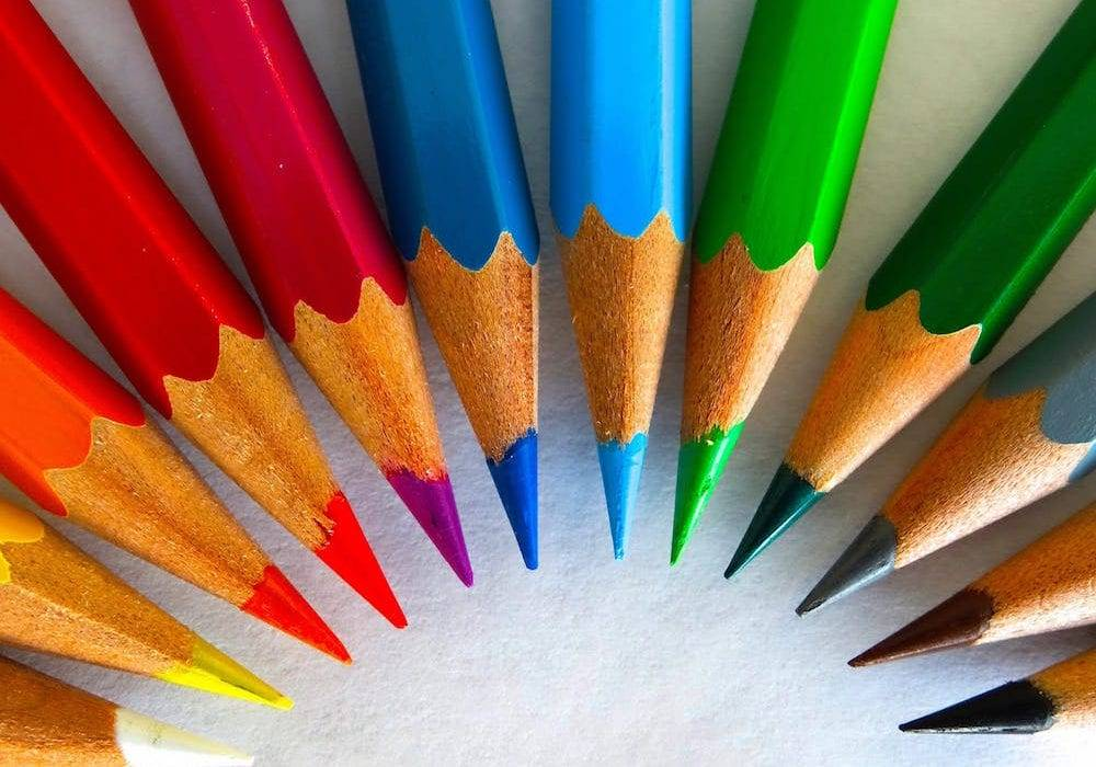 color theory rainbow scheme colored pencils