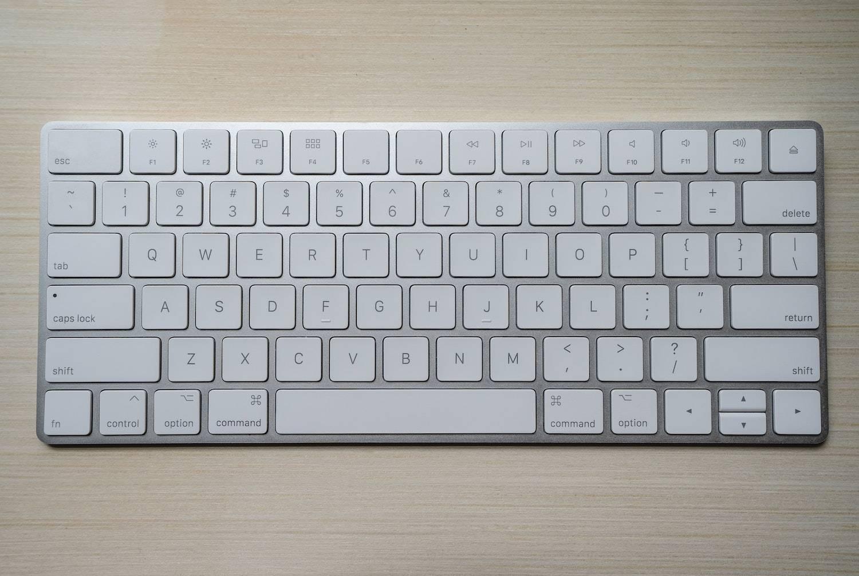best keyboard shortcuts: computer keyboard laying on a desk
