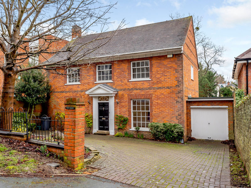 May House, The Greenway, High Wycombe, Buckinghamshire, HP136PU