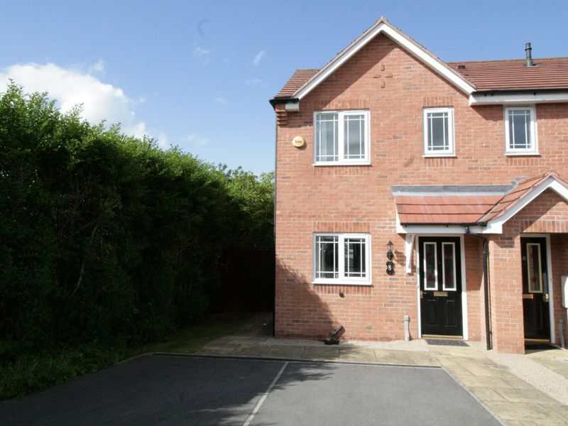 8 Bromley Court, Ilkeston, DE7 5BY