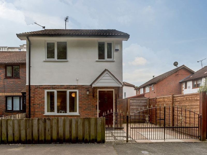 3 Bed, Link detached house