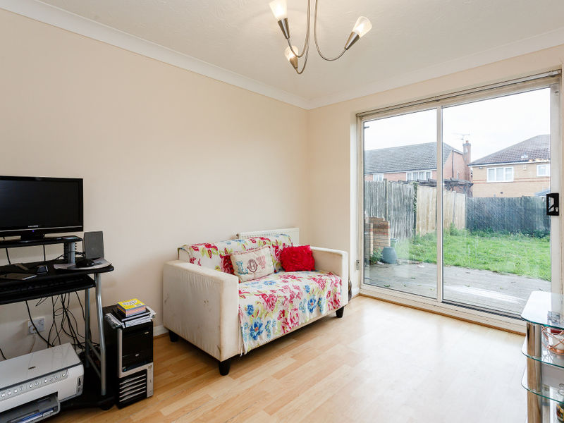 Kestrel Drive, Doncaster, South Yorkshire, DN6