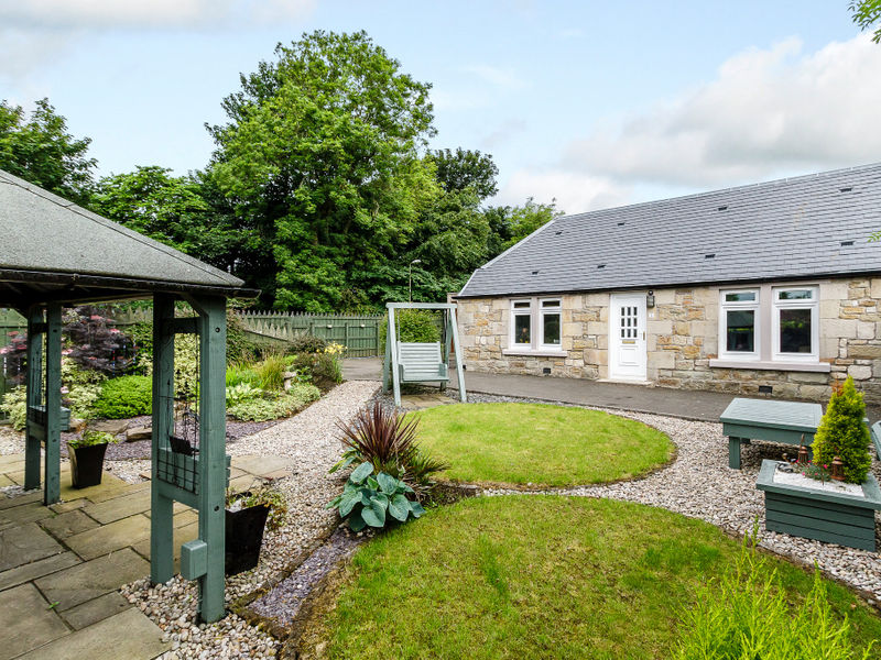 Newyearfield Farm Cottage, Livingston, EH54