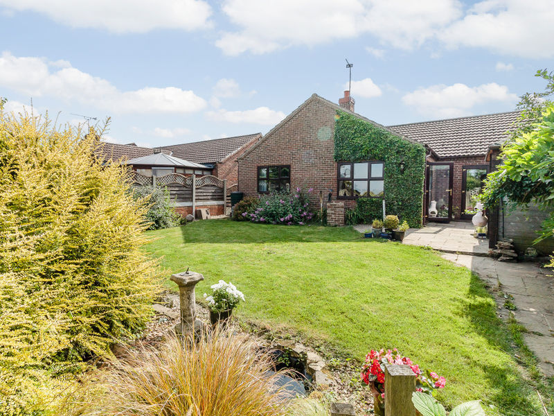 Hall Court, Yorkshire Side, Eastoft, Scunthorpe, DN17