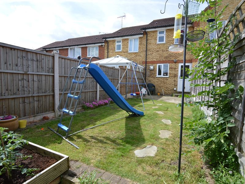 St. Michaels Close, South Ockendon, RM15