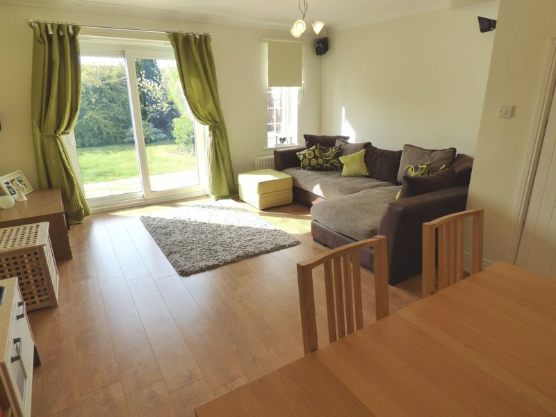 Hoveton Close, Greenlands, Redditch