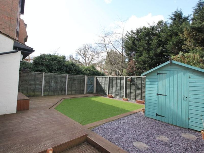Garden Flat, Bramley Hill, South Croydon CR2