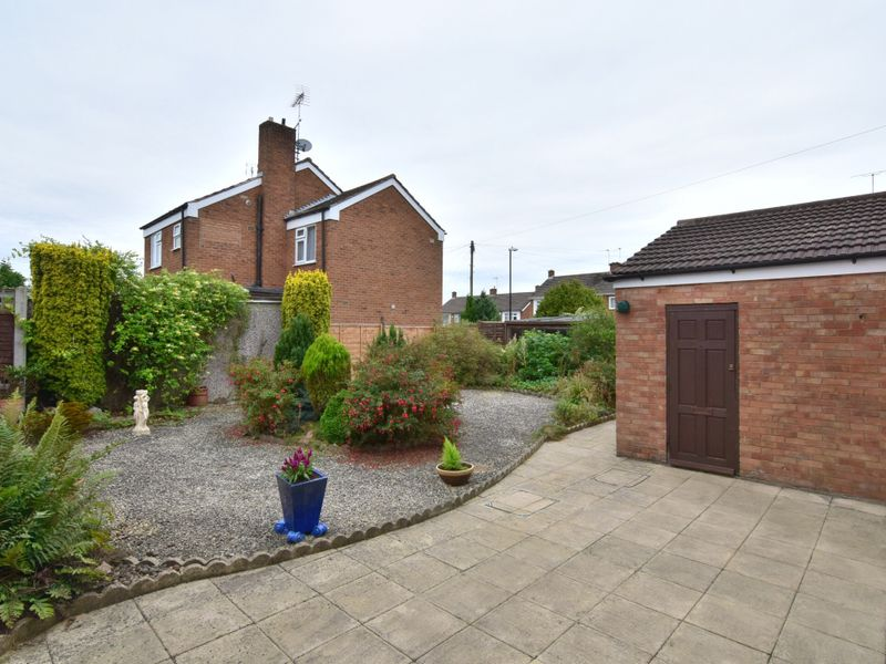 Chatsworth Rise, Styvechale, Coventry, CV3 5NR