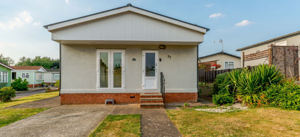 2 Bed, Park home