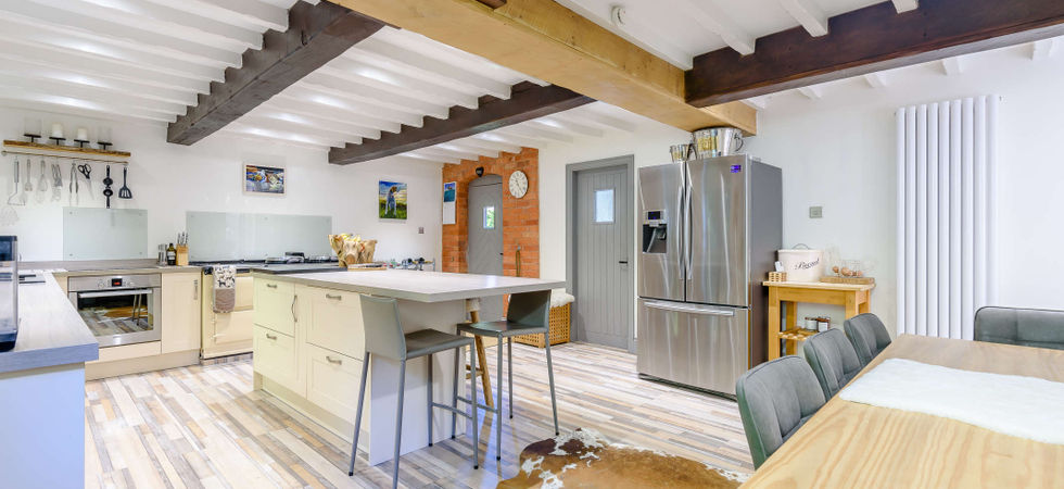 3 Bed, Barn conversion