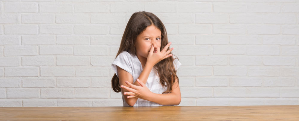 odour in house, child and smell