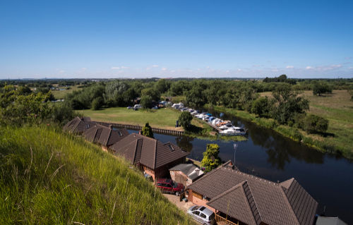 commuter towns, commuter town, Riverside houses at Redhill Marina, Nottinghamshire, UK, hotspots, commuter hotspots, commuter hotspot