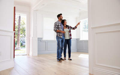 house viewing, couple viewing a house, home viewing, house viewing tips