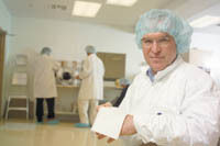 <b>CONCORDIA FIBERS CEO</b> Randall Spencer in his company's clean room.