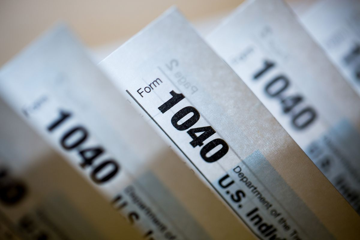 THE NEW TAX BILL has taxpayers looking to make moves to bolster their financial edge before the new tax season when a new set of rules takes effect. / BLOOMBERG FILE PHOTO/MICHAEL NAGLE