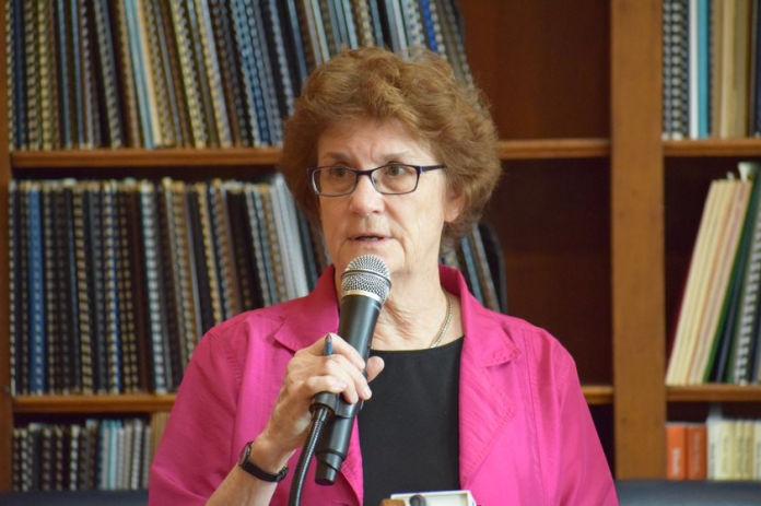 ECONOMIC PROGRESS INSTITUTE Policy Director Linda Katz presents the EPI's