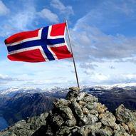 Topptur til Europas høgste sjøklippe Hornelen 860 moh.