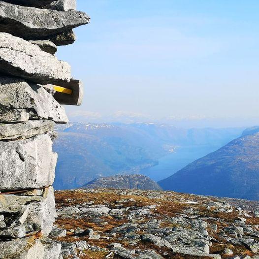 Topptur til Høgafjellet som rundtur frå Blomleitet om Fjellsnova og Setnipo