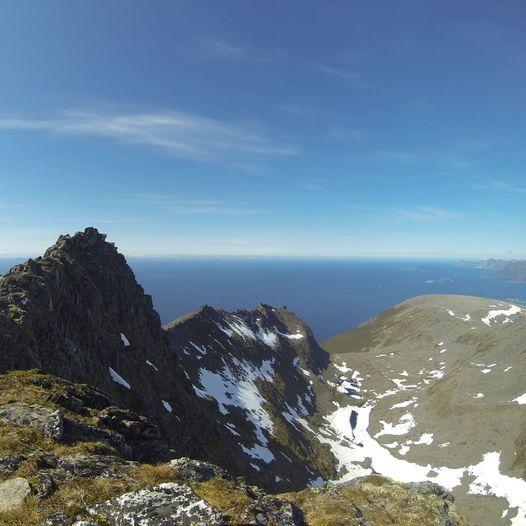 Topptur til Sjursviktinden (837 m.o.h.)