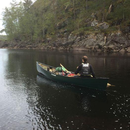 Med kano gjennom Skjeggedalsåna